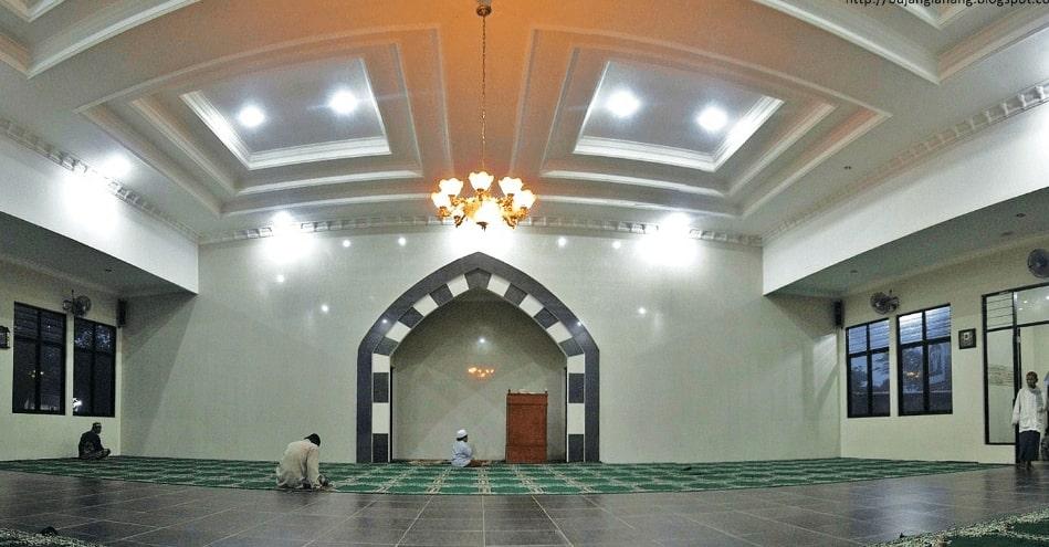 Interior Masjid Ummar Bin Khattab